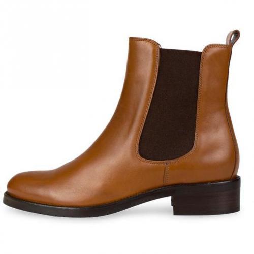 boss black chelsea boots sherri braun. Black Bedroom Furniture Sets. Home Design Ideas